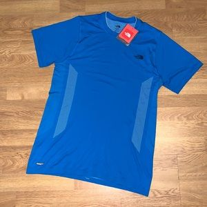 NWT The North Face Core Strength Seamless Shirt